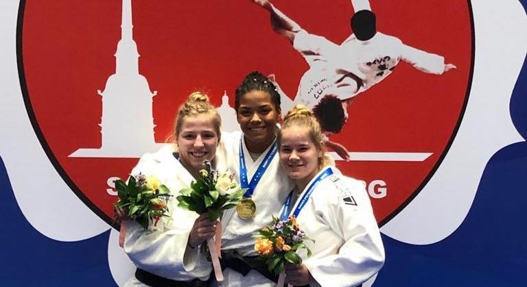 Drie nederlandse dames